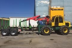 Трактор з прицепом