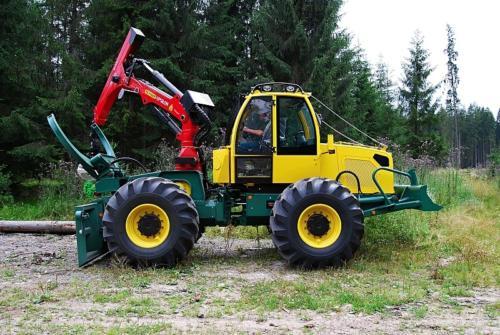 Лісогосподарський трелювальний трактор LKT 150